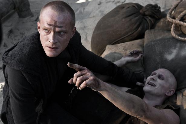 priest_paul bettany_scott charles stewart_vampire