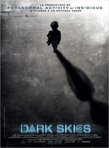 dark skies_kerri russell_josh hamilton_scott stewart_jason blum_affiche_poster